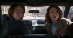 stranger-things-season-two-jonathan-and-nancy-1487011934