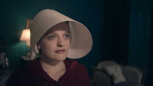 the_handmaids_tale_review_story_1492095538844